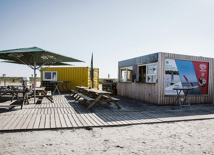 ELA Container - Mobiler Imbiss mit Lounge am Strand
